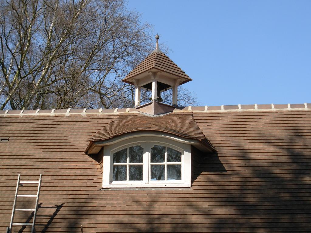 r novation toiture tuiles plates lesaicherre croix toiture. Black Bedroom Furniture Sets. Home Design Ideas